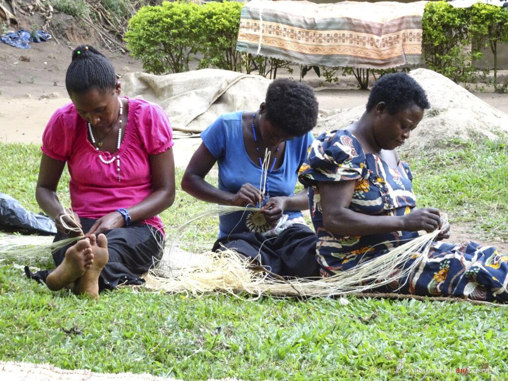 ladies-handcrafting-pots
