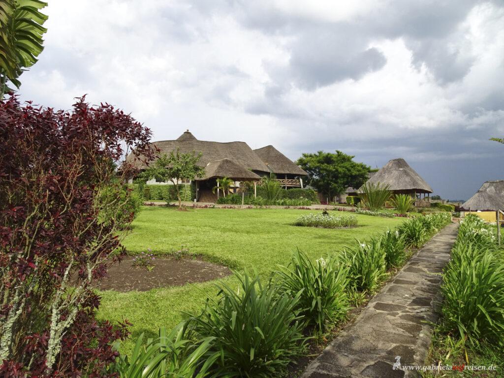 garden-of-crater-safari-lodge
